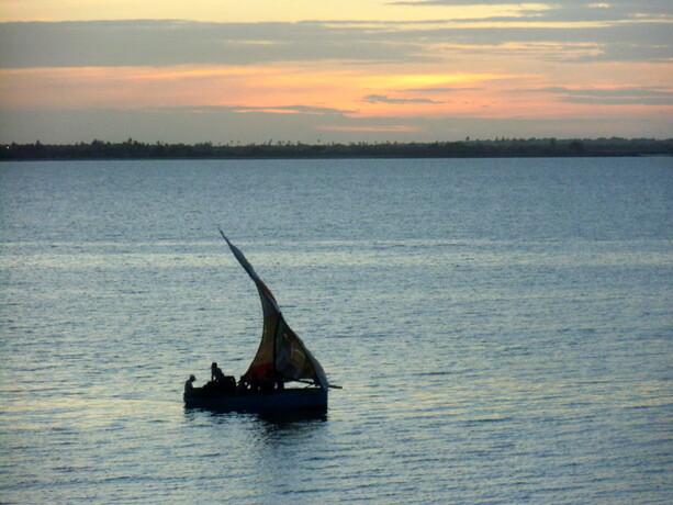 ...Con atardeceres como éste, en Ilha de Mozambique