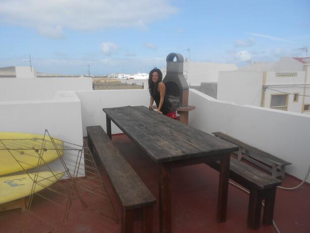 La terraza donde se pueden hacer barbacoas con el buen tiempo