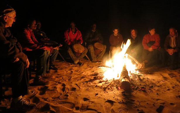 hoguera-desierto-lompoul