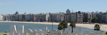 Montevideo visto desde Kibon hacia la play Pocitos