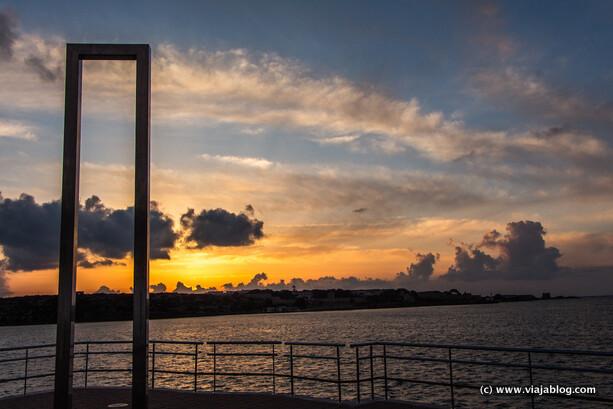 Segundos previos al amanecer, Puerta de Eos, Cales Fonts, Es Castell, Menorca