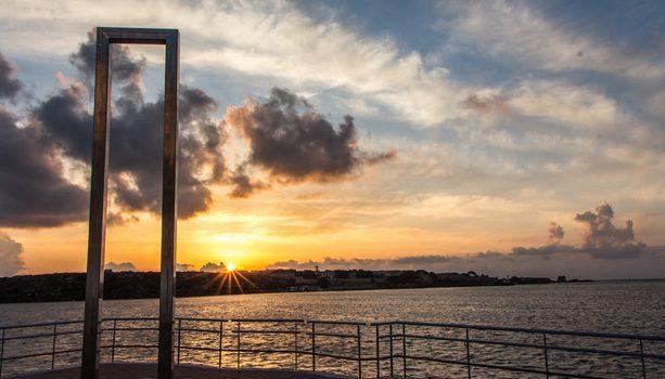 El primer amanecer de España, Puerta de Eos, Cales Fonts, Es Castell, Menorca