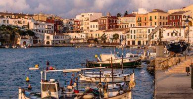 Cales Fonts a la luz del amanecer, Es Castell, Menorca