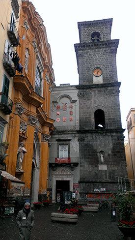 napoles-iglesia-centro
