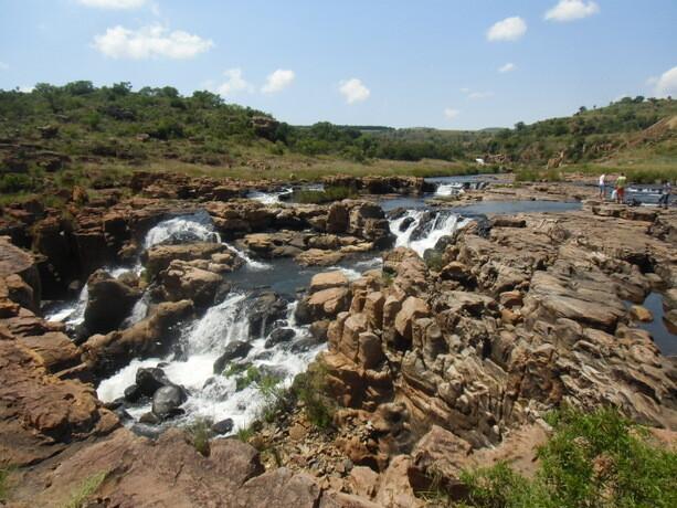 El agua del Treur ha ido horadando la roca durante cientos de años