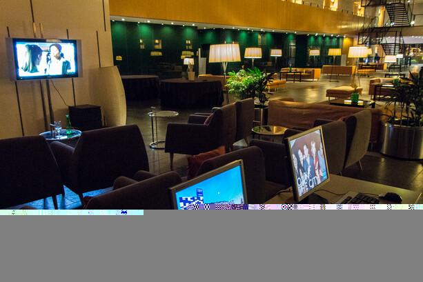 Acceso Internet y Televisor Hotel Tryp Barcelona Aeropuerto