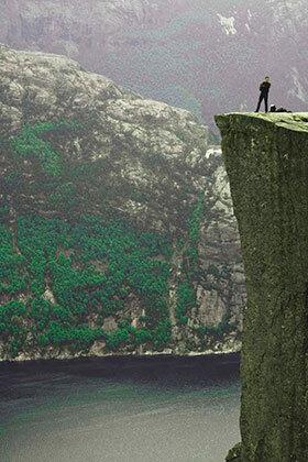 Stavanger-Pulpit-Rock-roca-vertical-VB