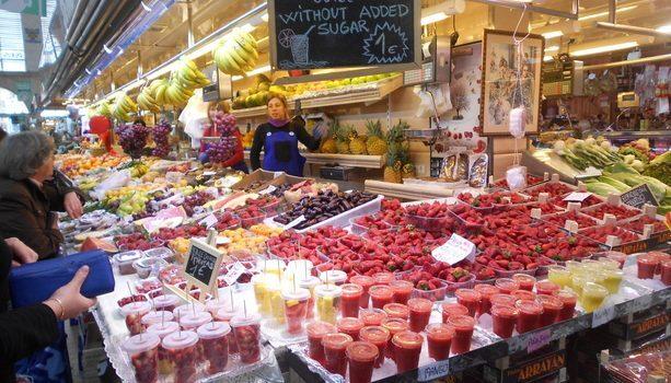 El colorido de los puestos de frutas es algo espectacular. Y esos zumos...