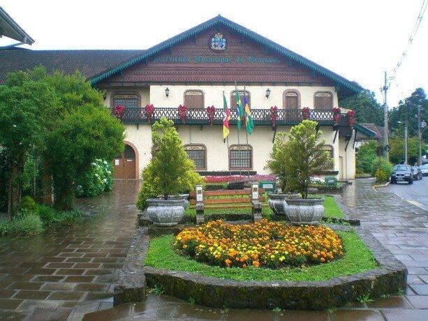 El ayuntamiento de Gramado. De corte suizo y uno de los lugares más fríos de Brasil