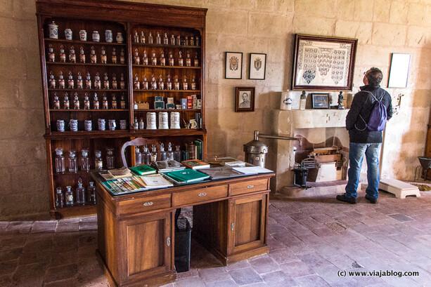 Artículos de Farmacia en el Hospital Isla del Rey en Menorca