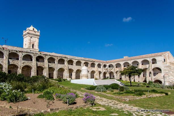 Hospital Isla del Rey en Menorca