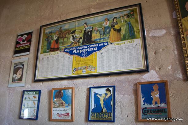 Antiguos carteles de medicamentos, Hospital Isla del Rey en Menorca