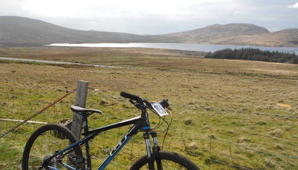Los impresionantes paisajes irlandeses son perfectos para practicar con la bici
