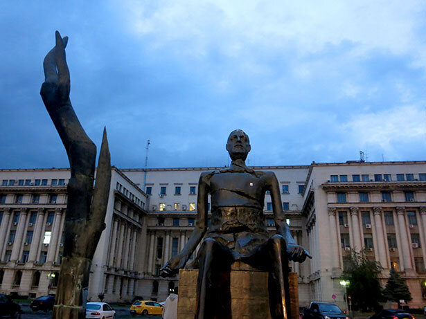 estatua-bucarest
