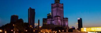 Centro de Varsovia de noche