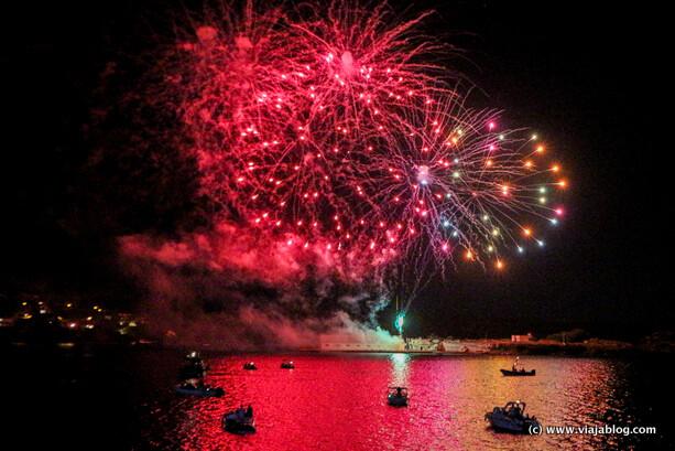 Fuegos artificiales sobre el mar, Fiestas de Sant Jaume, Es Castell, Menorca