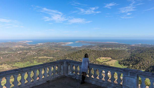 Vistas desde el Monte Toro en Menorca (Islas Baleares)