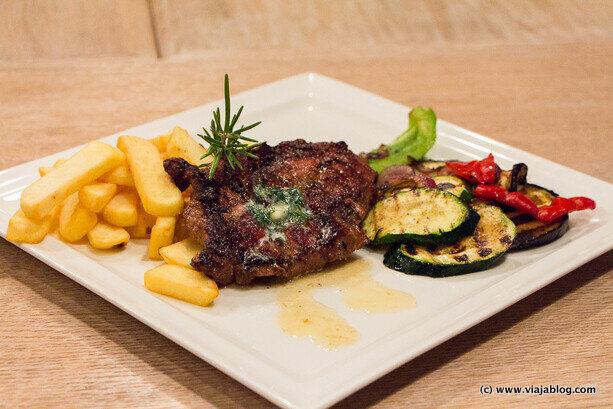 Deliciosa Hamburguesa Restaurante Cud Miód Varsovia