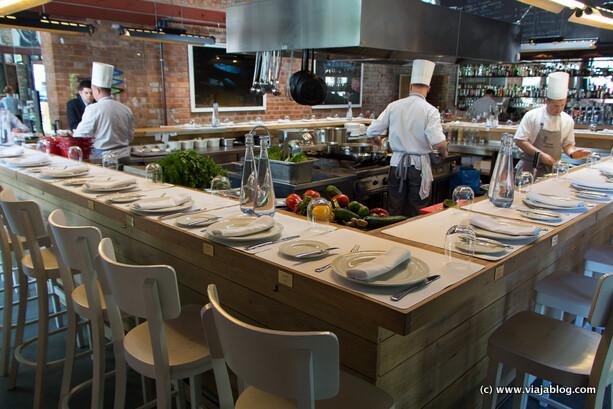 Otra de las cocinas del Restaurante Warszawa Wschodnia en Varsovia
