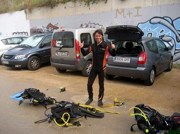 Preparando el equipo de submarinismo