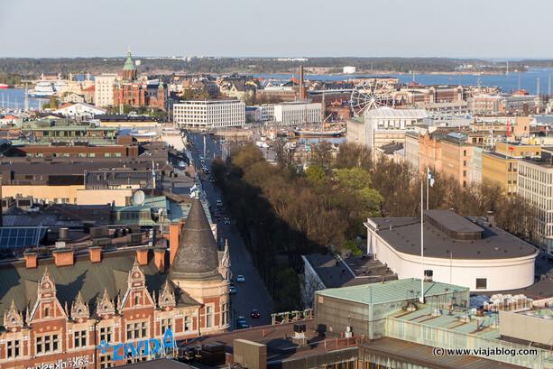 Vistas desde la terraza del Ateljee Bar en el Hotel Torni de Helsinki