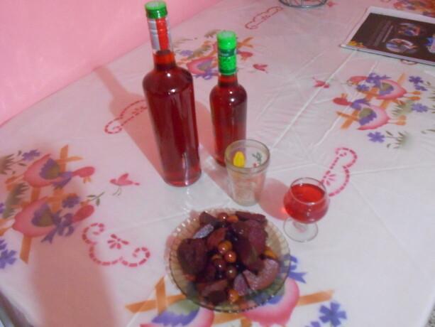El caldo de frutas, heredero de la sangría que trajeron los españoles