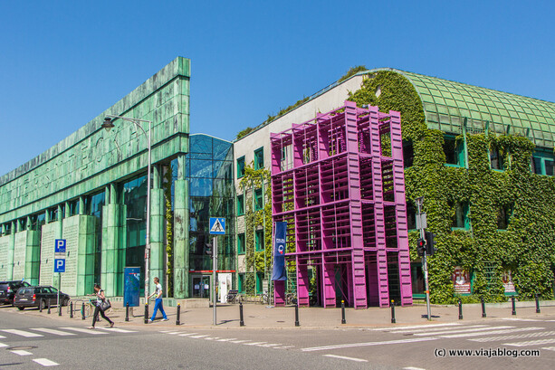 Edificios de la Biblioteca de la Universidad, Varsovia, Polonia