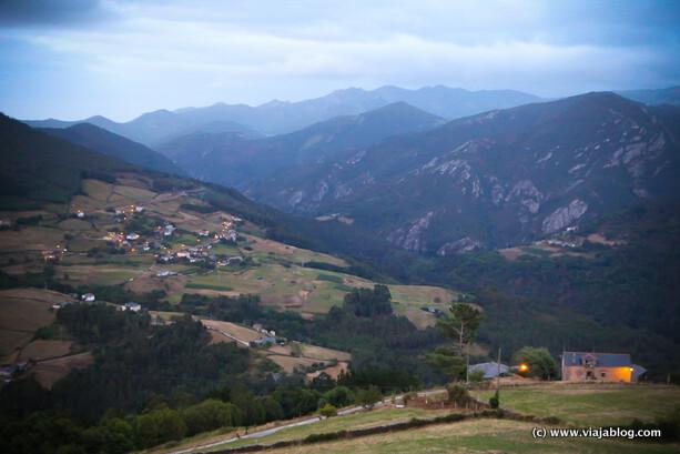 Atardecer desde Villanueva de Boal en Asturias