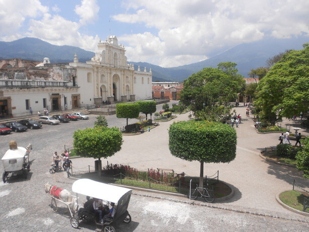 La Plaza Mayor de La Antigua