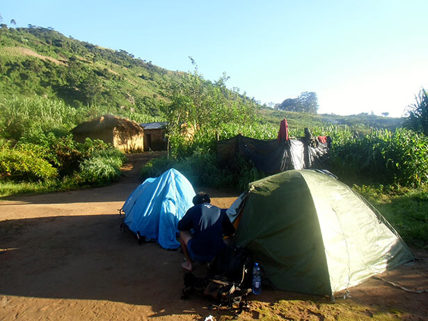 Nuestro campamento en casa de Namuli