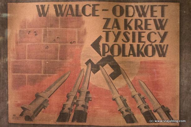 Cartel en el Museo del Alzamiento de Varsovia