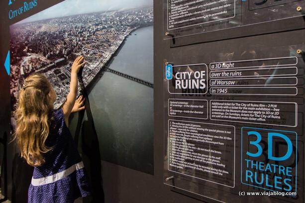"""Acceso a """"Ciudad de Ruinas"""" en 3D, Museo del Alzamiento de Varsovia"""