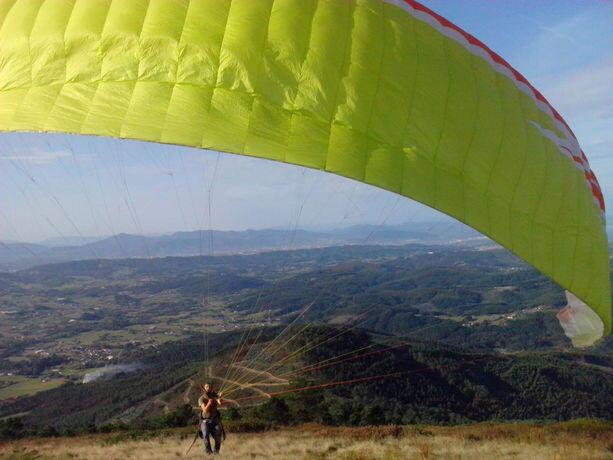 Parapente desde el Monte Jata