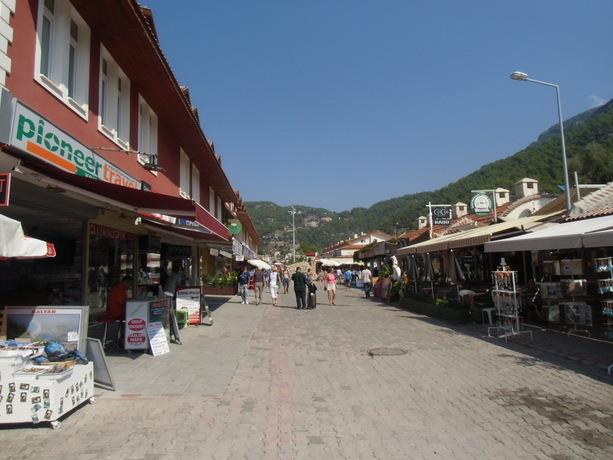Calle comercial de Ölüdeniz