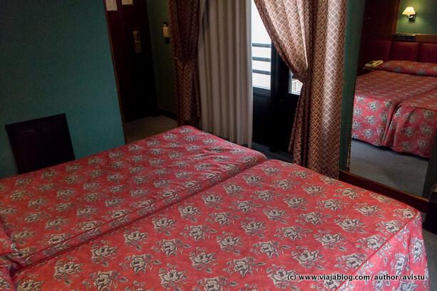 Espejo de cuerpo entero, Hotel Oria Tolosa