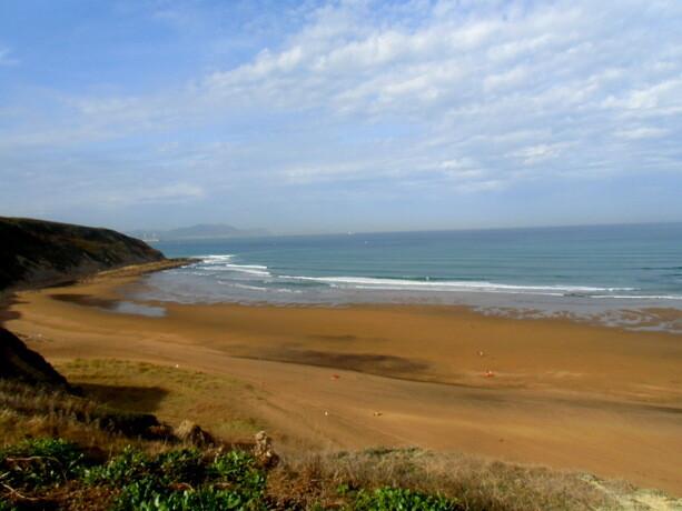 La playa de Sopelana en Uribe