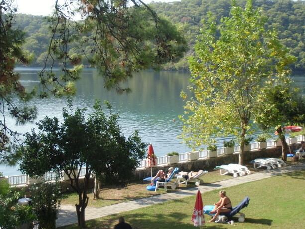 Resort en la Laguna Azul