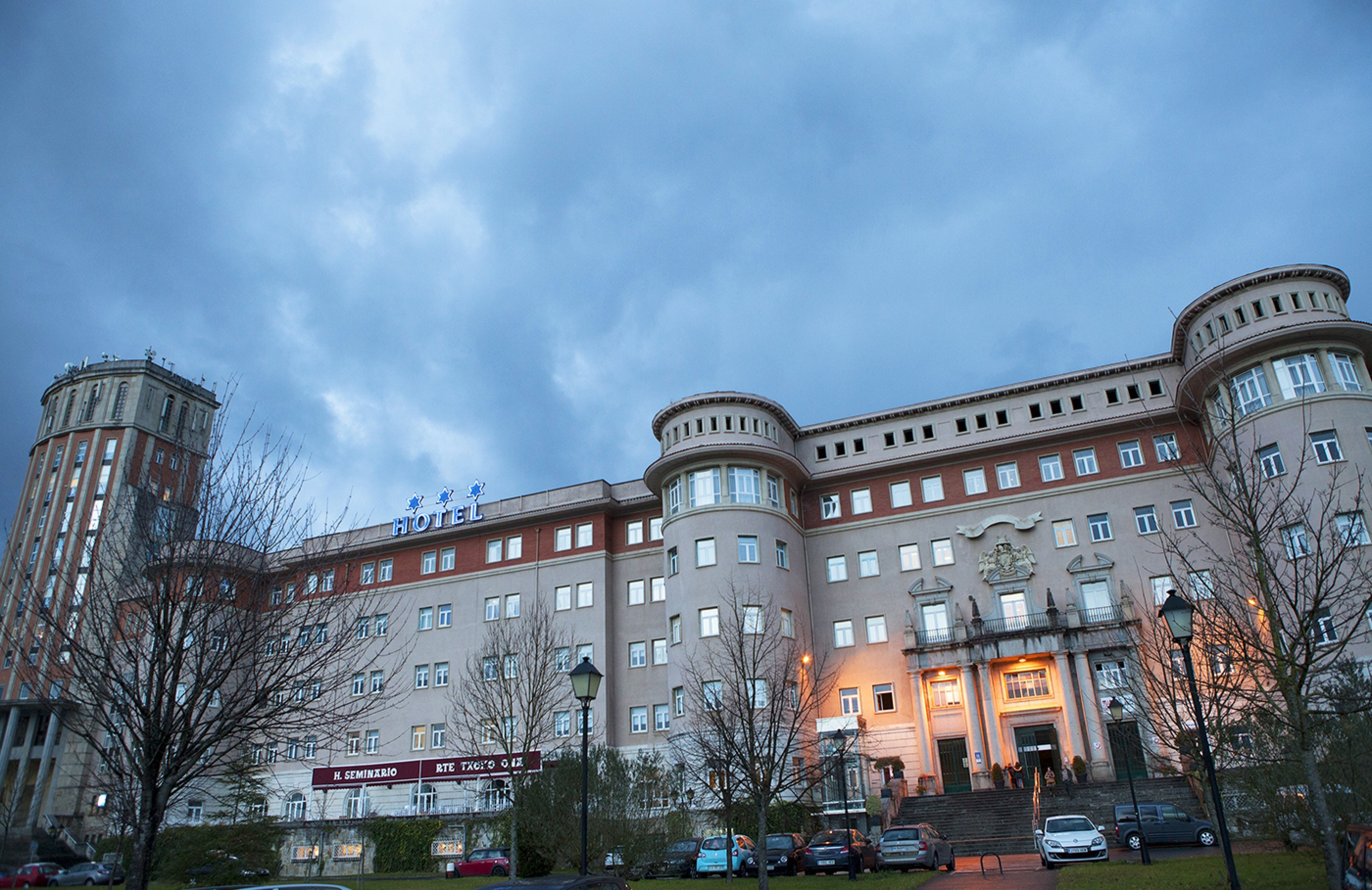hotelexterior-2800x1817