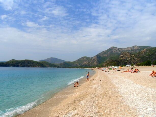 La playa del pueblo...El agua es preciosa