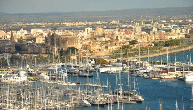 Puerto de Mallorca desde el castillo de Bellver