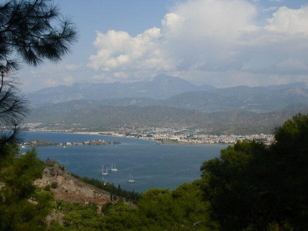 Las vistas de Fethiye desde las montañas