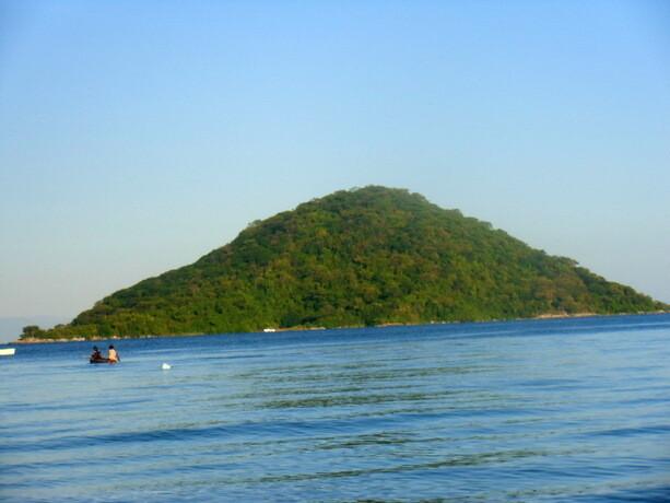 Isla en medio del lago
