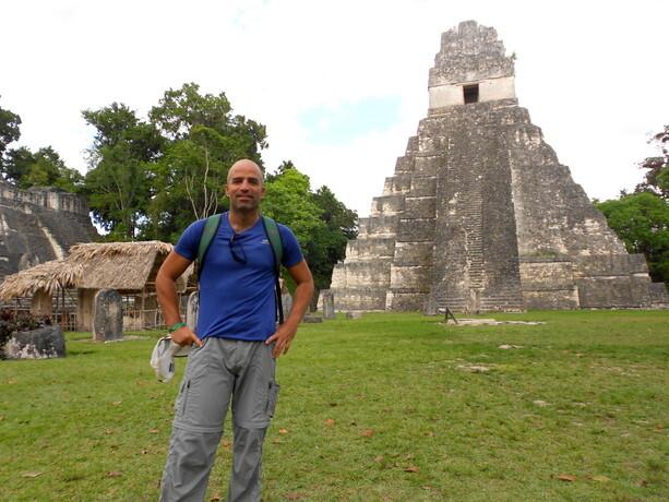 Solos en la Gran Plaza de Tikal