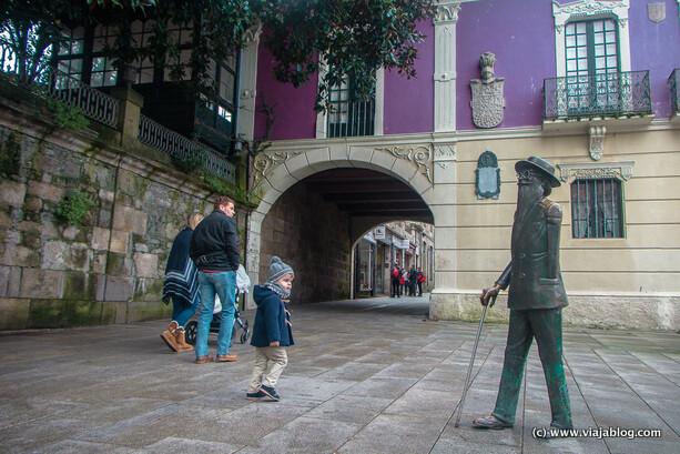 Estatua de Valle-Inclán, Pontevedra