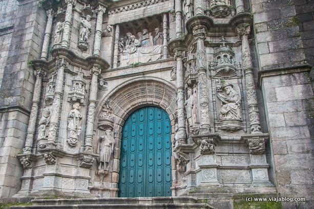 Vista parcial de la fachada principal, Iglesia de Santa María la Mayor, Pontevedra