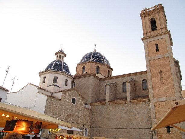 Las cúpulas de la iglesia de Altea