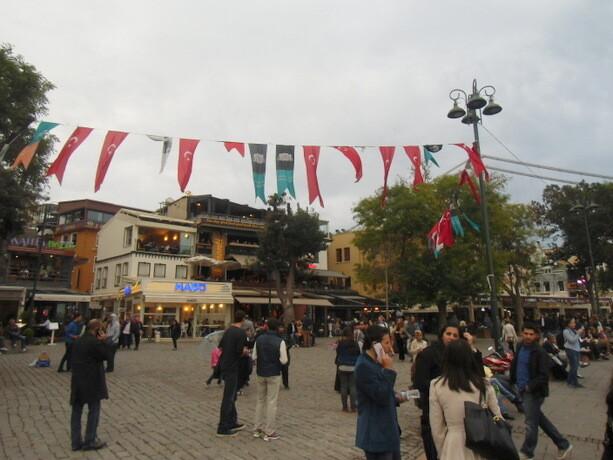 Ambiente de domingo en Ortaköy