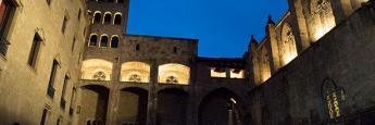 La plaza del Rei en Gótico, un buen lugar para deambular cuando cae la tarde