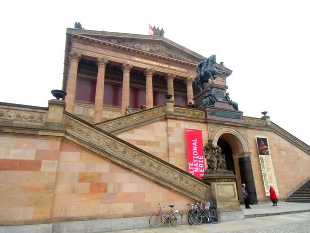 La fachada del Alte Nationalegallerie