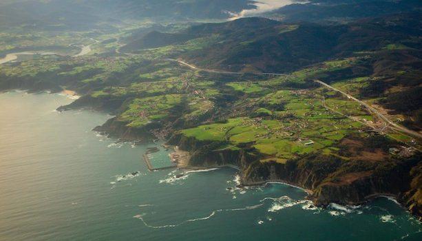 Despegando-de-Asturias-panorámica-desde-el-aeropuerto